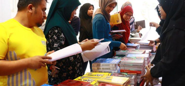 Jualan Buku Hanya RM10 Sahaja! Biar Betul?
