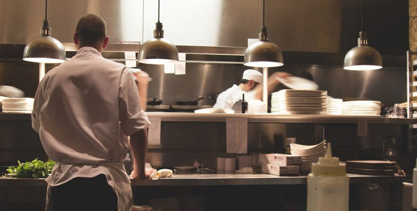 Bisnes Restoran Ni Selalu Kena Santau? Banyak Persaingan? Betul Ke?  3 Usahawan Ni Kongsi Cerita Ilmu Apa Mereka Pakai Untuk Hapuskan….