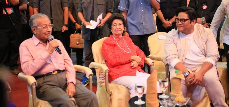 Momen Manis Di NUH 2020 Selepas Buat Pertama Kalinya Menerima Kunjungan Perdana Menteri Malaysia
